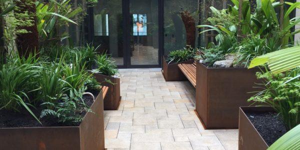 Bendigo Hospital Courtyard